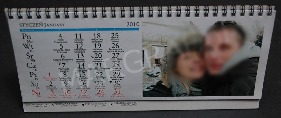Foto-kalendarz daszkowy podłużny z 12 Twoimi zdjęciami