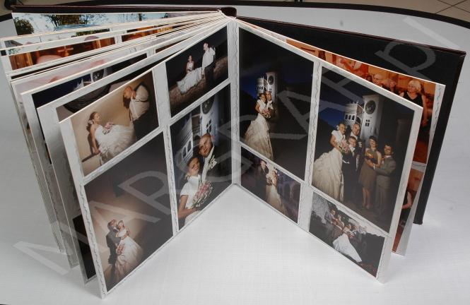 Foto-album z odbitek fotograficznych 30x30, oprawa eko-skóra, 16 str.