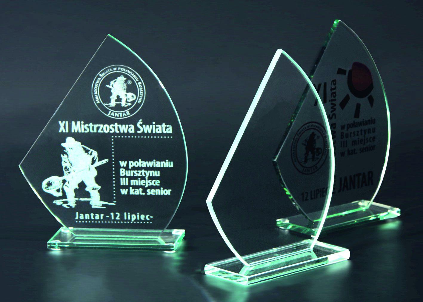 Statuetka szklana M49A,M49B,M49C